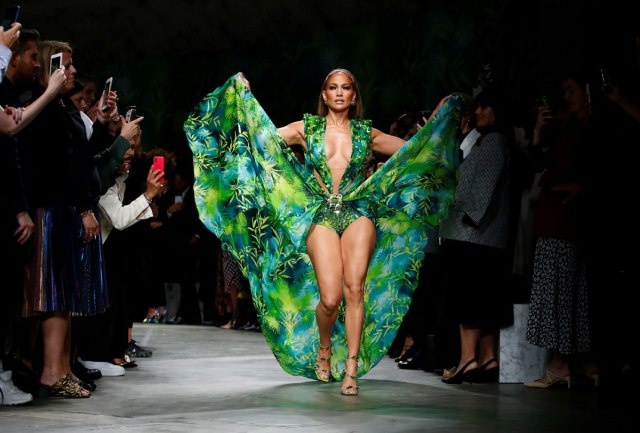 jlo_jungledress_fb